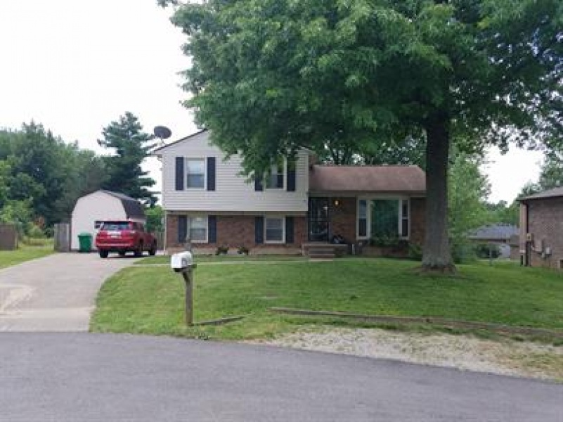 Herrington Ct, Louisville, Kentucky 40228, 3 Bedrooms Bedrooms, ,2 BathroomsBathrooms,Home,For Rent,Herrington ,1080